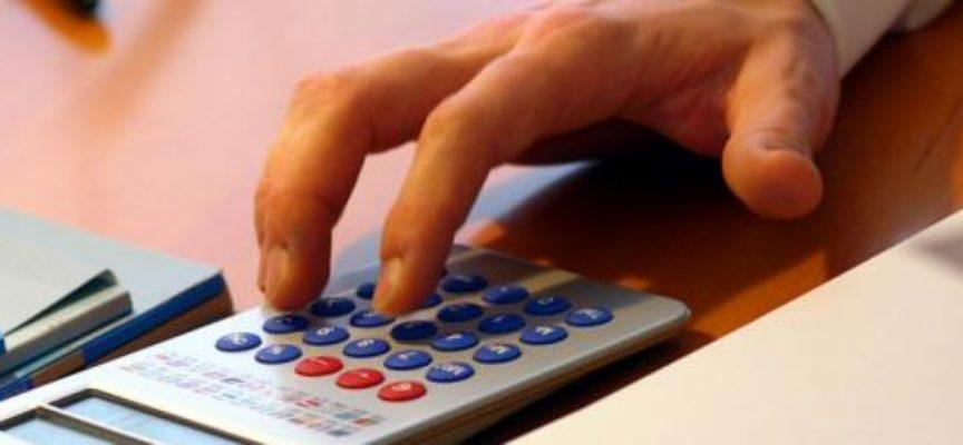 Natale pieno di tasse: 54 miliardi a dicembre, tra tredicesima, casa e IVA