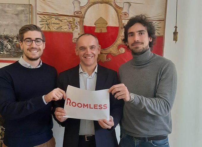 """Luca Menesini ha incontrato Riccardo Matteoni della startup capannorese """"Roomless"""""""