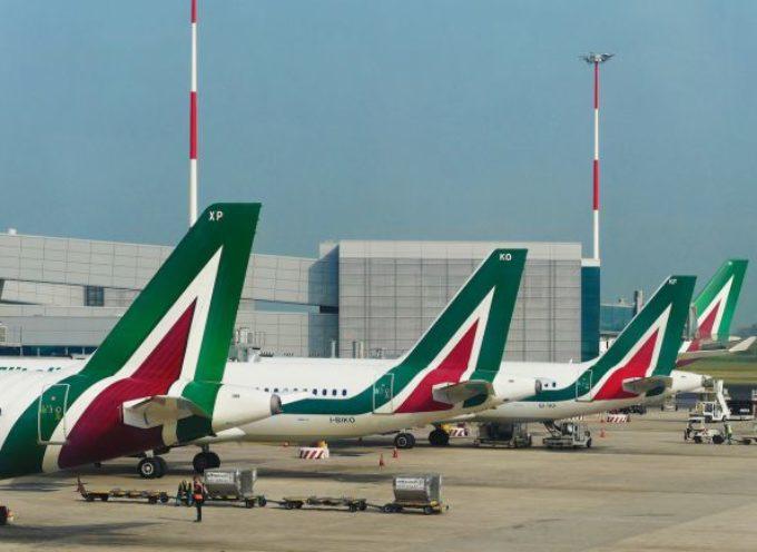 Alitalia, nuovo prestito ponte di 400 milioni per 6 mesi. In 40 anni spesi 10 miliardi di soldi pubblici