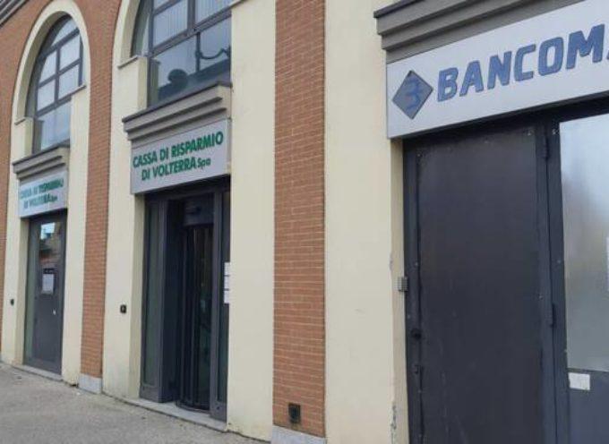I MALVIVENTI FANNO ESPLODERE IL BANCOMAT DELLA CASSA RISPARMIO DI VOLTERRA A LUCCA