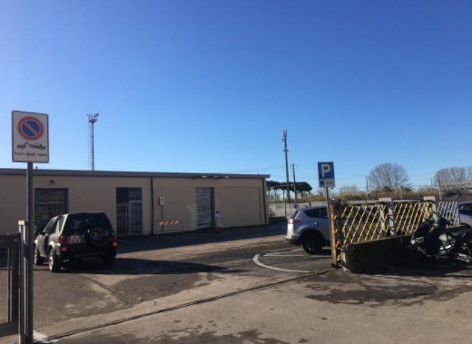 Pietrasanta – nuovo parcheggio, 50 posti auto a disco orario (2 ore) e due stalli per disabili