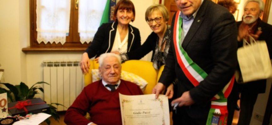 PIETRASANTA – Giulio Pucci fa 100 (anni), il sindaco alla festa di compleanno