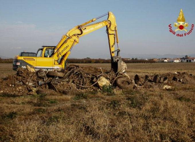 Nella pianura veronese scoperti rifiuti pericolosi interrati sotto le coltivazioni di frutta, ortaggi e cereali