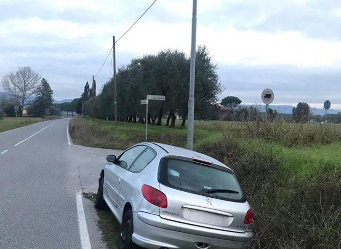 ALTOPASCIO – Dove prima c'era un'auto o un furgone abbandonati ora è tornato il pulito.