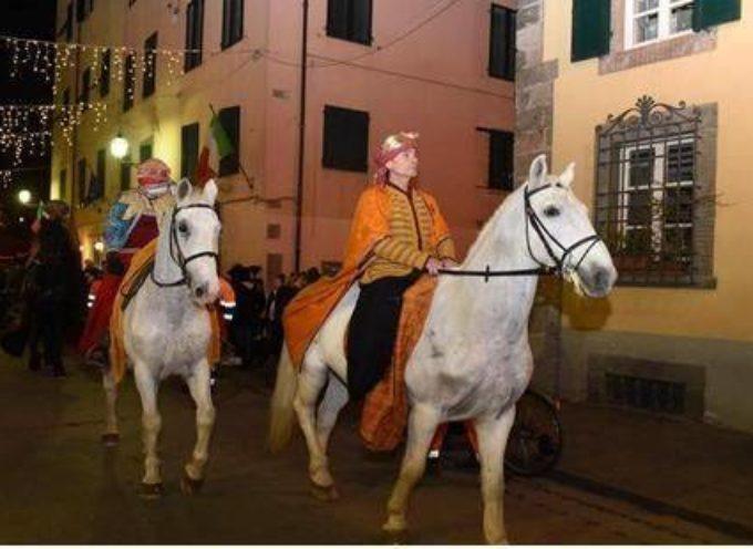 Arrivano i Re Magi a cavallo, A LUCCA