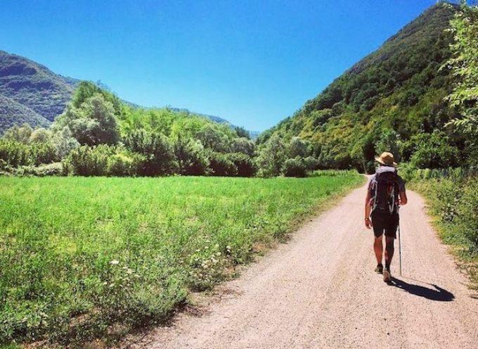 30 cammini stupendi da fare in Italia: i migliori itinerari a piedi