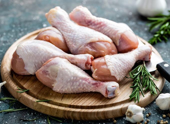 Lavare la carne di pollo prima di cuocerlo? Sì o No?