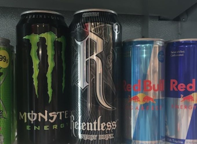 Sanità: limitare la vendita di 'energy drink' ai minorenni