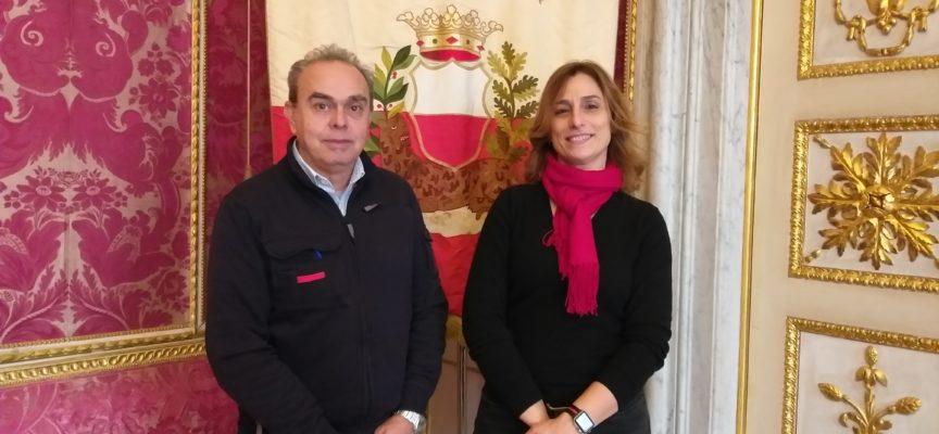 L'amministrazione comunale in visita alla cartiera Modesto Cardella