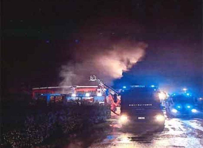 Incendio presso il colorificio BL Bevilacqua a Lucca: gli accertamenti di ARPAT
