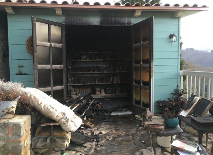 Brucia la libreria Sopra la Penna di Alba Donati