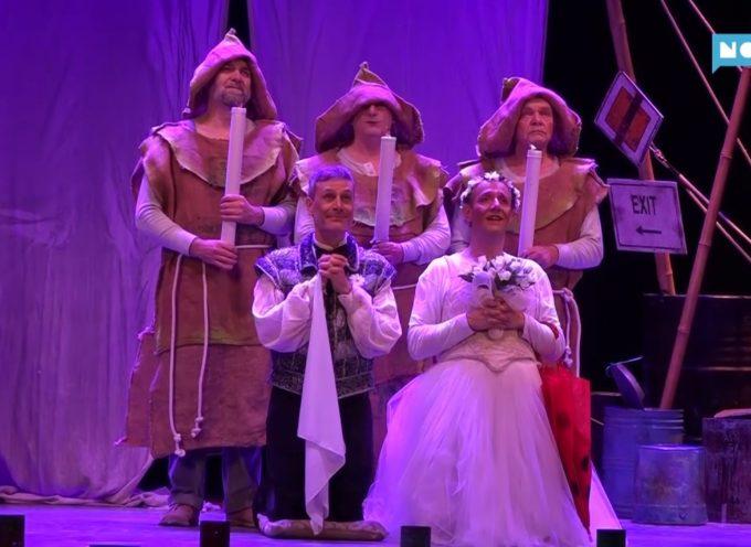 """Teatro sold-out per l'insolito """"Romeo e Giulietta"""" di Ale e Franz"""