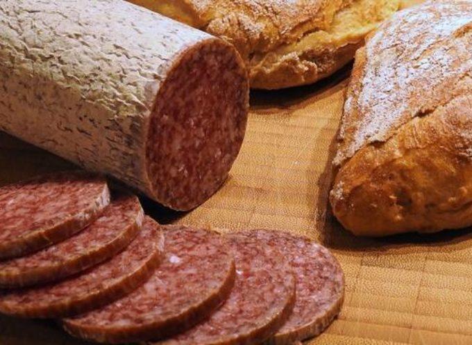 Salmonella, il Ministero della Salute segnala richiamo di un salame dai supermercati.