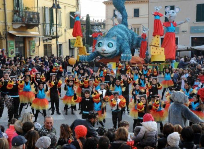 a Pietrasanta è tempo di Carnevale,