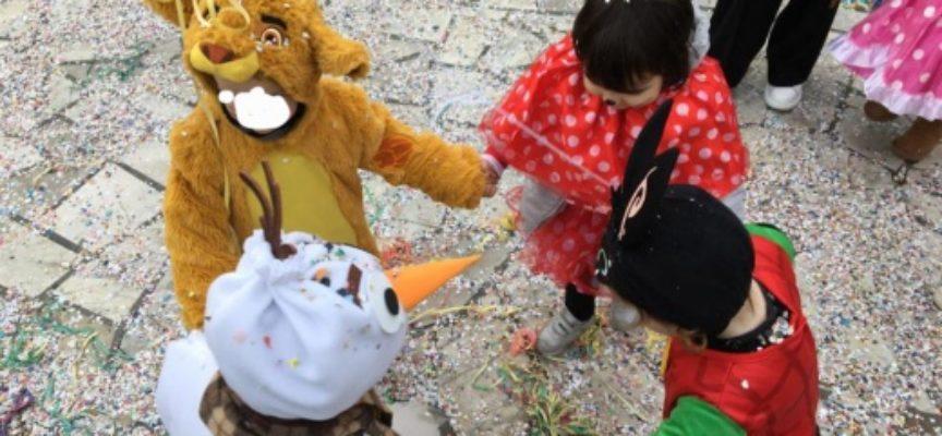 Carnevale dei Bambini in Piazza Matteotti, martedì grasso tra mascherine e coriandoli