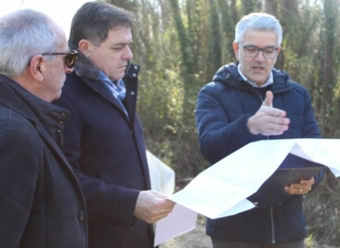 Fiume Versilia scolmerà in sicurezza, il Consorzio Bonifica completa la ristrutturazione dell'argine