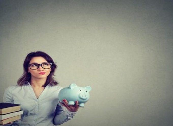 Stipendio insegnanti: 14mila euro di lavoro nero non pagati ogni anno