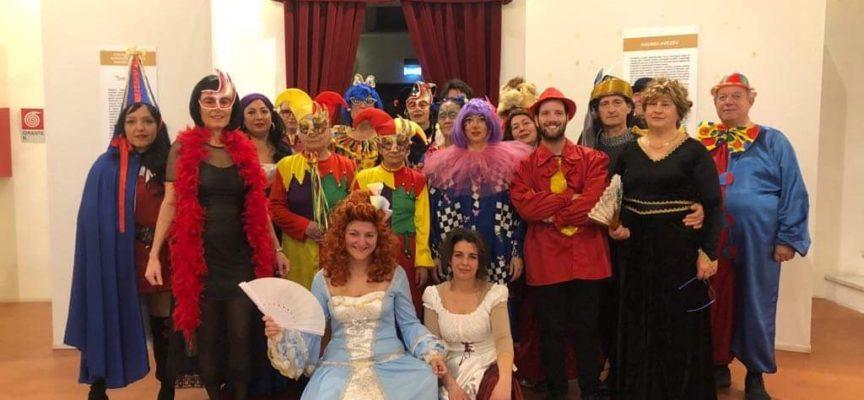 """Pro Loco di Seravezza – Successo per lo Spettacolo di Cabaret """"C'è spazio per tutti…almeno al Carnevale"""""""