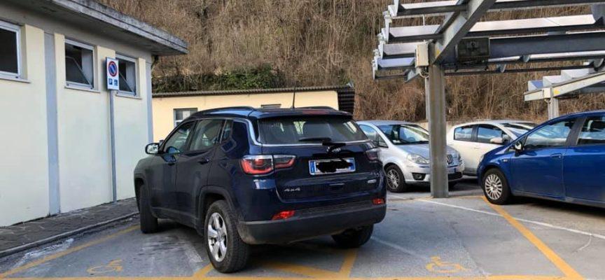 un parcheggio esemplare presso l'ospedale di castelnuovo di garfagnana – un esempio da seguire……………..