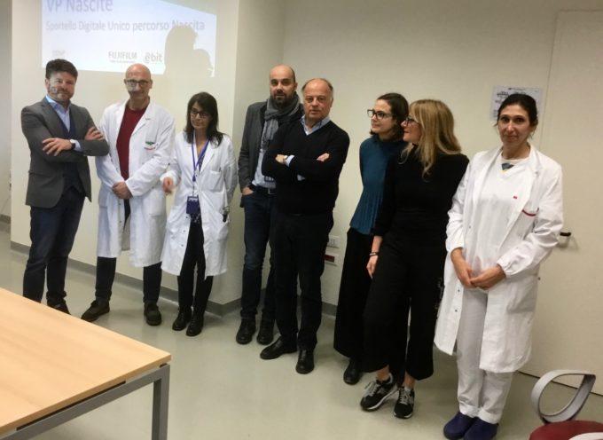 Servizi digitali per i nuovi nati e libretto pediatrico digitale: la rivoluzione parte da Lucca