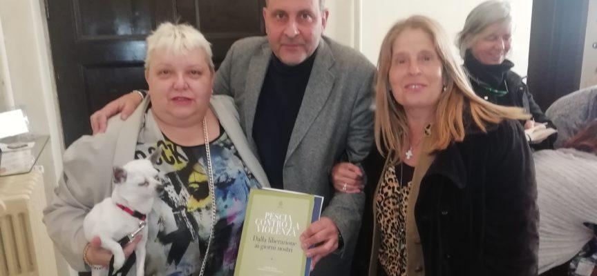 """Sabato la presentazione del libro di Miriam Taylor """"Raccontesie notturne"""" a Pescia contro l'omofobia"""