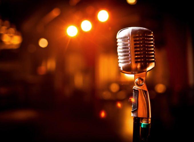 Karaoke e cena spettacolo mettiti in gioco e fatti coinvolgere