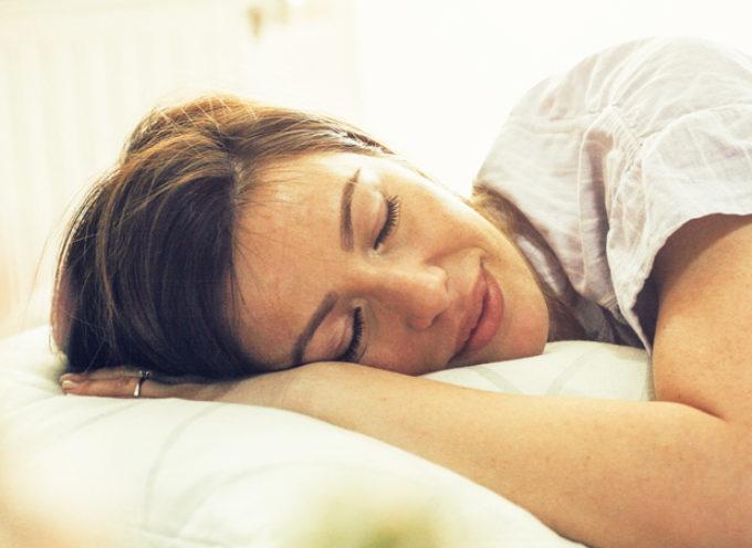 Sonno e alimentazione: cosa mangiare per dormire meglio?