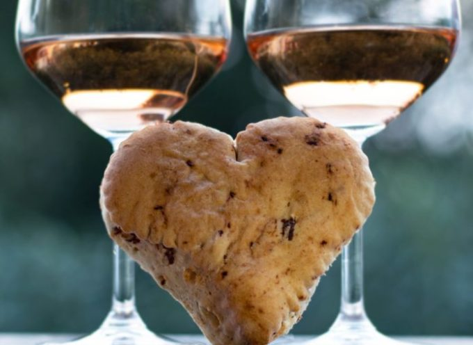 Due cuori ed un Chiaretto. San Valentino: il Bardolino protagonista di Lago di Garda in Love