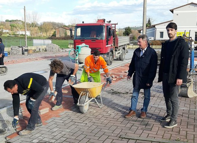 Borgonuovo, in fase di ultimazione lavori di manutenzione in piazza 'Maestri del lavoro'