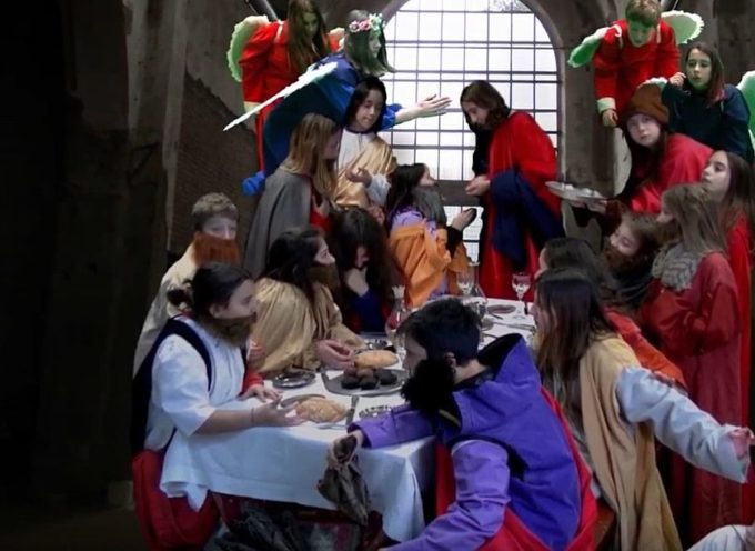 """Studenti della scuola secondaria di San Leonardo in Treponzio interpretano in un video """"L'ultima cena"""" del Tintoretto"""