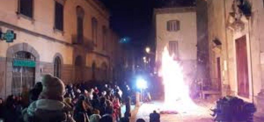 A Pieve Fosciana si brucia il Carnevale