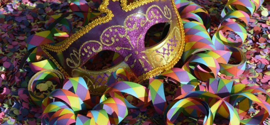 Carnevale per la via mascherine in allegria nel centro storico – Pieve Fosciana