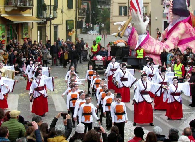 Carnevale Pietrasantino: la coreografia della contrada Valdicastello.