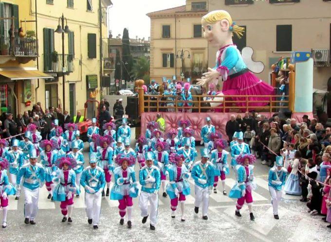 Carnevale Pietrasantino: la coreografia della contrada Antichi Feudi.