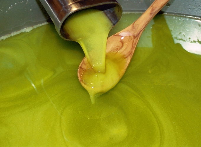 Nell'olio extravergine d'oliva c'è una sostanza che ringiovanisce il cervello