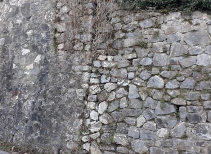 Pescaglia, protocollata in Provincia una interpellanza inerente la situazione statica del muro in pietra