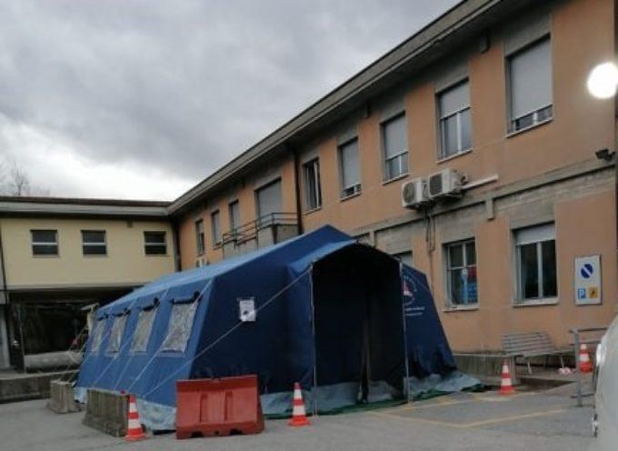 Coronavirus: Triage esterno al PS di Castelnuovo di Garfagnana