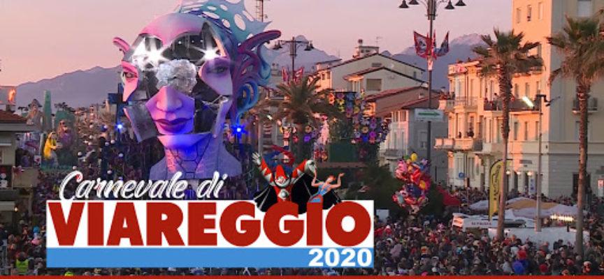 Carnevale di Viareggio: pienone per il quinto corso mascherato