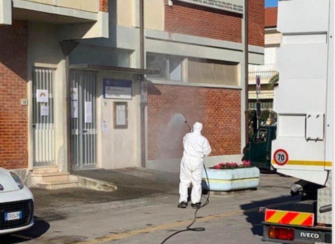PIETRASANTA – iniziato programma disinfezione, sarà periodica e frequente in tutta la città