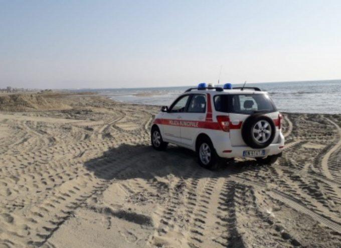 Cadavere di una donna rinvenuto sulla spiaggia