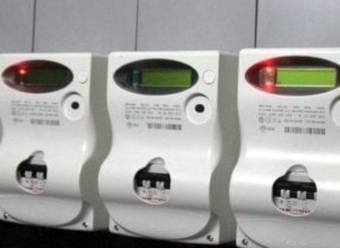 Bollette, crollano le tariffe: -18, 3% per l'elettricità e -13,5% per il gas