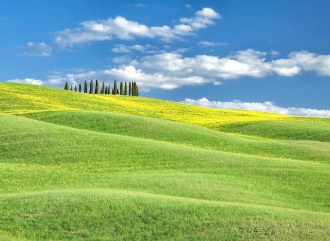 Fare turismo in Toscana. La nostra regione è sicura, depliant multilingue da Toscana Promozione