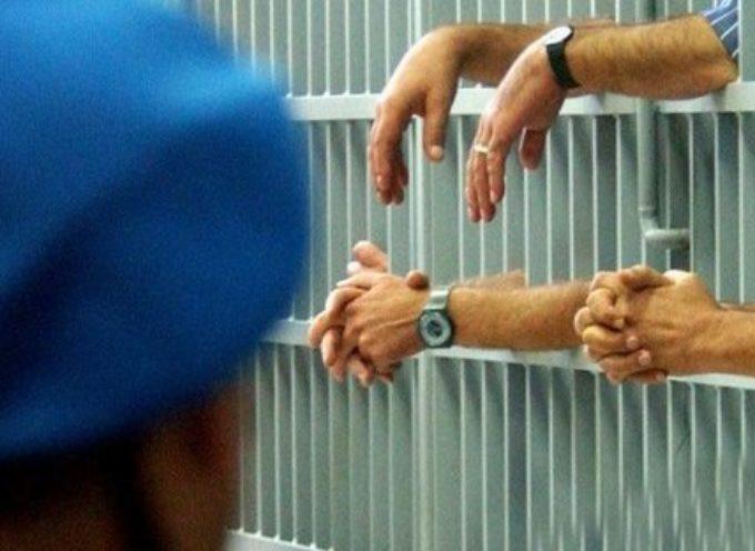 Coronavirus, ancora rivolte in carcere per lo stop alle visite dei familiari