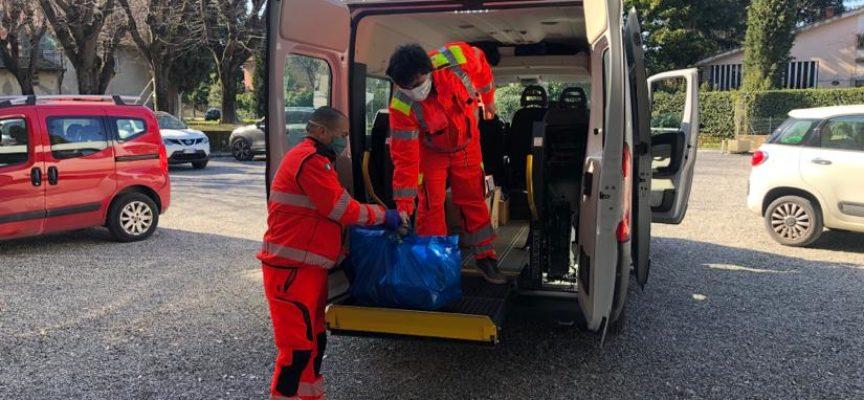 Pietrasanta – Sociale: 70 pacchi alimentari per le famiglie più bisognose, task force Grano, Consulta e Croce Verde per limitare spostamenti