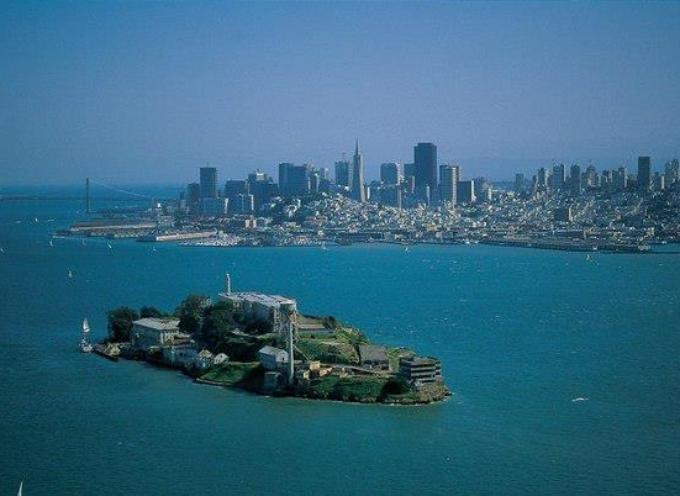 il 21-3-1963, chiudeva il penitenziario federale di Alcatraz.