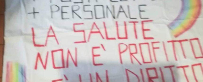 Il messaggio lanciato dai Comitati in difesa della Sanità Pubblica, oggi, ha viaggiato dal Nord al Sud Italia
