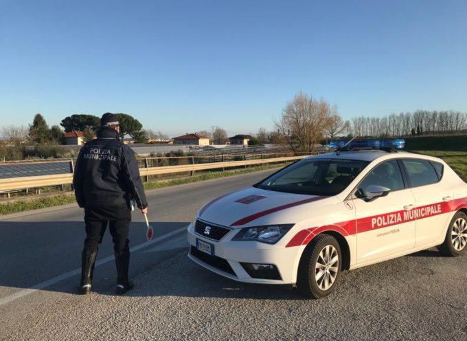 La polizia municipale di Pescia denuncia tre persone per violazione delle normative governative