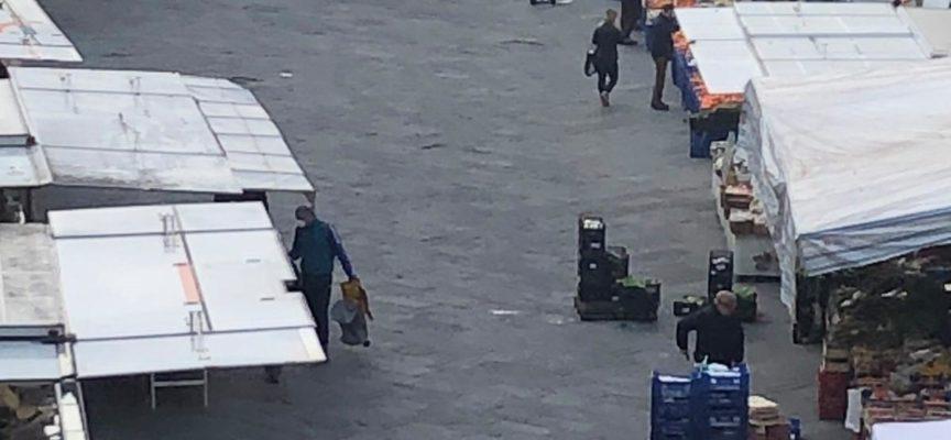 """Pescia, torna il mercato in piazza Mazzini con alcuni accorgimenti Giurlani """" Importante ripartire in sicurezza"""""""