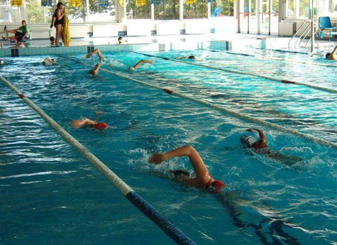 Resta aperta la piscina comunale di Capannori