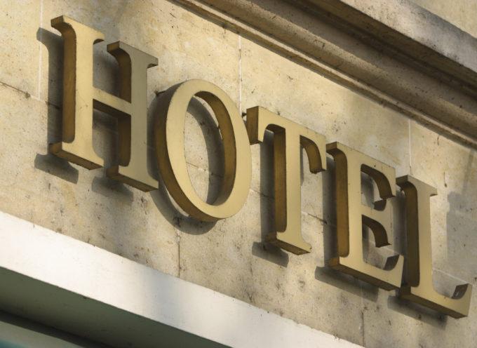 Crollo delle prenotazioni negli alberghi